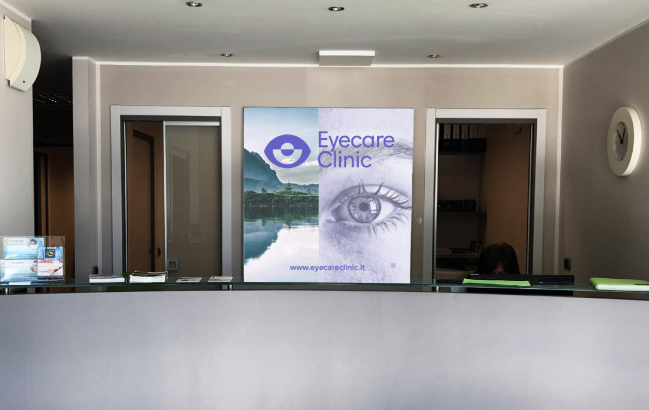 eyecare-clinic-centro-oculistica-vetrofania-1